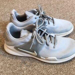 Girls nike sneakers size 6Y